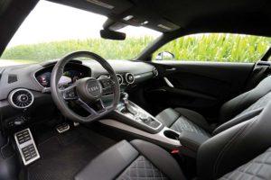 2017 Audi TTS Cockpit