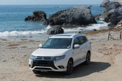 Mitsubishi Outland PHEV Set to Debut in Canada