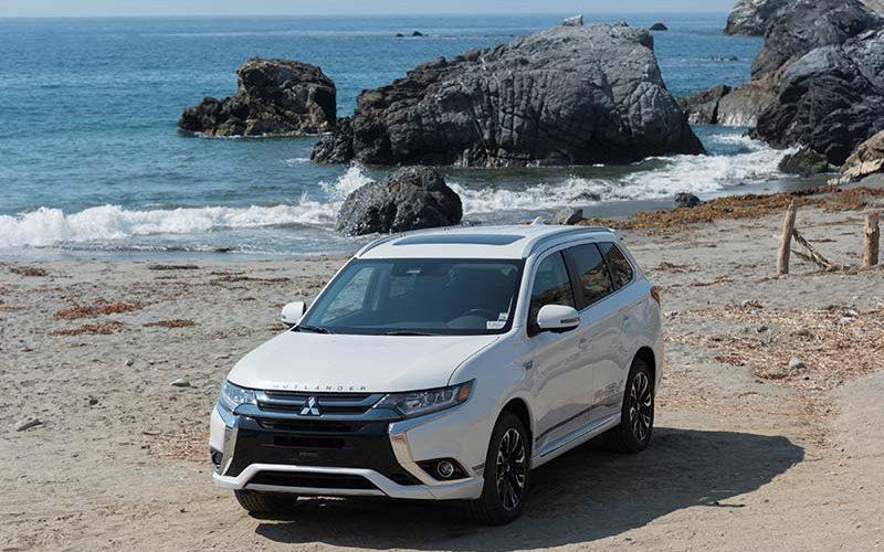 Mitsubishi Outland PHEV Set to Debut in Canada
