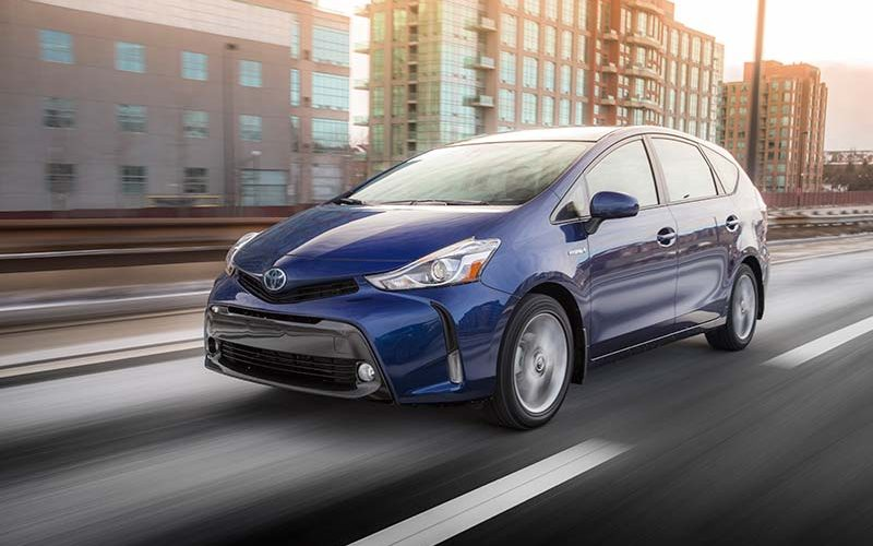Toyota Gives the Prius v A Few Upgrades for 2018