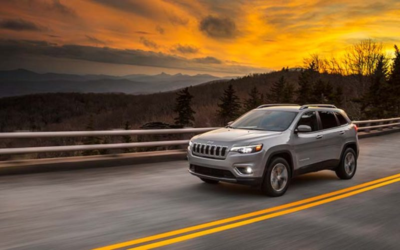 Jeep Releases Images of 2019 Jeep Cherokee Ahead of Detroit Show