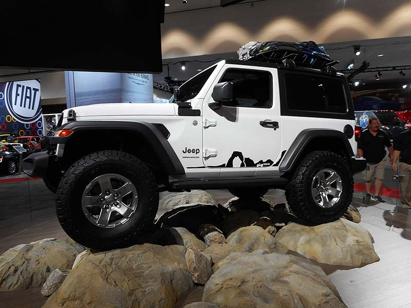 2018 jeep wrangler officially unveiled plus automotive. Black Bedroom Furniture Sets. Home Design Ideas