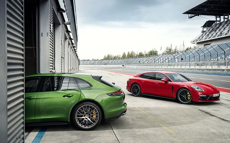Porsche Debuts New Panamera GTS and Panamera GTS Sport Turismo