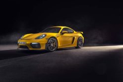 Porsche Unveils the 2020 718 Cayman GT4 and 718 Spyder